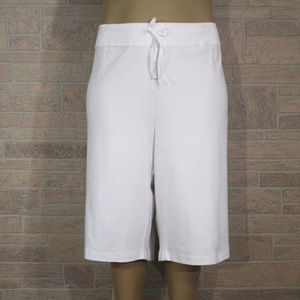 Avenue Bermuda Walking Shorts Relaxed Fit White